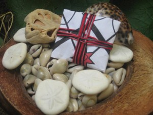 "A ""Pomba Gira"" spirit paket sold by a vendor with no training in Brazilian Kimbanda. Pakets come from Vodou not Kimbanda."